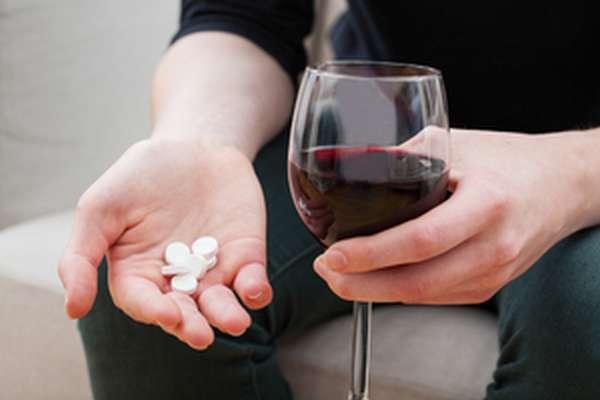 Реакция лекарств и алкоголя