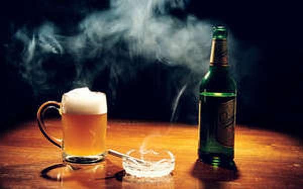 Алкоголь и сигареты: что вреднее пить или курить