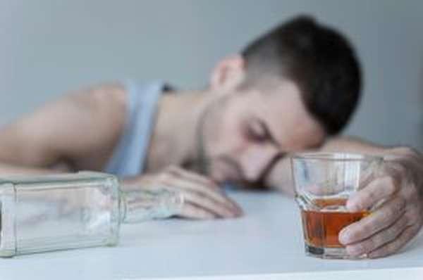 Алкоголизм - страшный бич современного общества