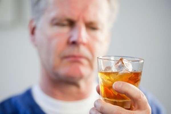 Как бросить пить алкоголь, народные средства
