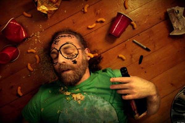 Человек после бурной вечеринки