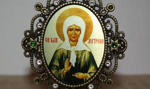Икона в серебряном обкладе Матроны Московской