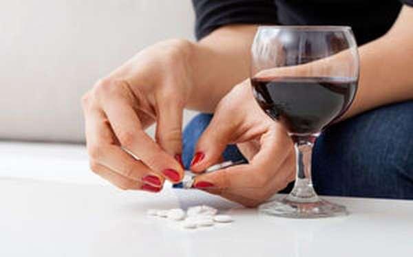Некоторые врачи позволяют своим пациентам с депрессией употреблять алкоголь, но с соблюдением определённых правил