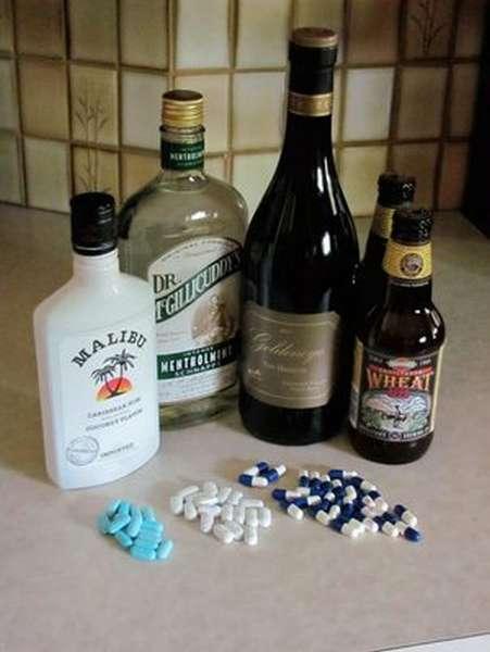 Что нужно делать когда отравился препаратом и алкоголем