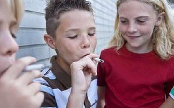 Почему дети пьют и курят