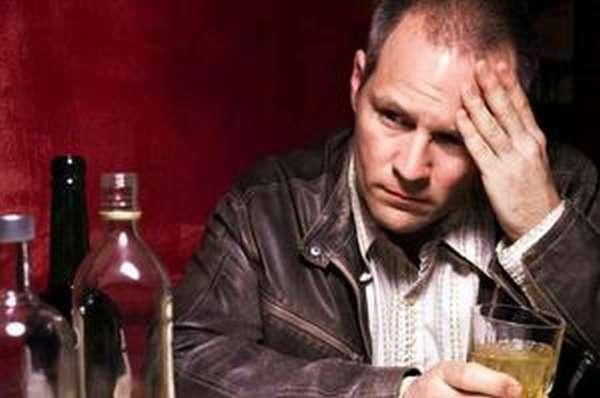 Почему хочется злоупотреблять алкоголем