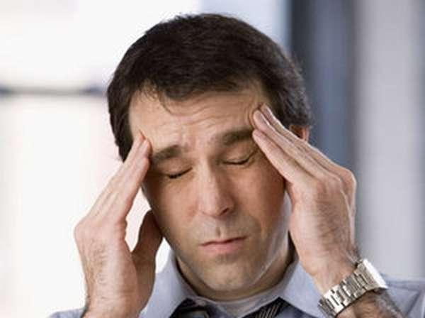 Почему возникает головная боль после алкоголя
