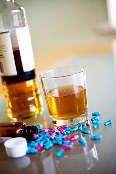 Какие препараты нельзя принимать с алкоголем
