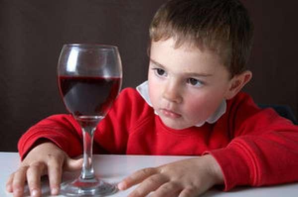 Признаки алкоголизма среди детей