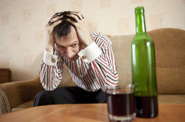 Проявление физической зависимости от алкоголя