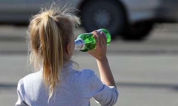Как проявляется детский алкоголизм