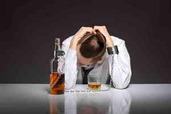 Как распознать подростковый алкоголизм