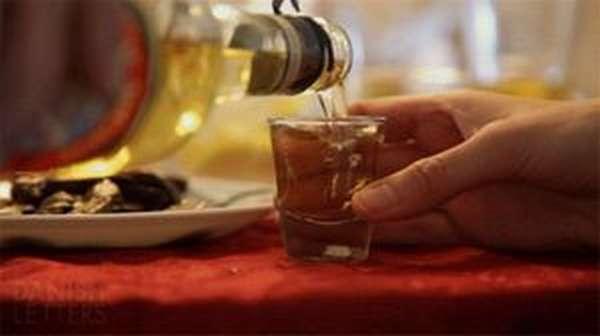 В чем разница алкоголика и пьяницы
