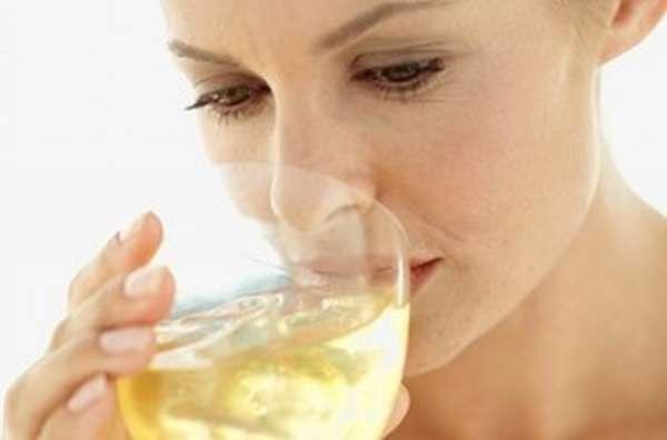 Как спирт попадает в молоко матери