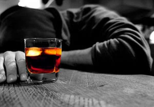 Что не стоит делать, чтобы не допустить алкогольное отравление