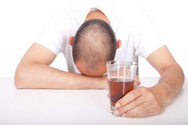 Текучий процесс лечения алкоголика