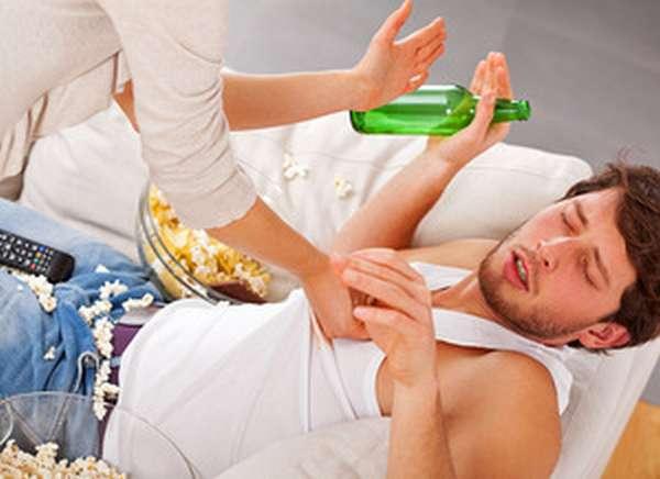 Запой возникает на второй стадии алкоголизма