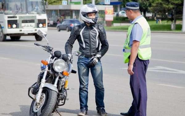 Не пререкайтесь и не ругайтесь с полицейским