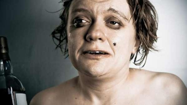 Разрушающее влияние алкоголя на организм женщины