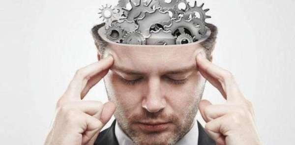 Шестеренки в голове мужчины