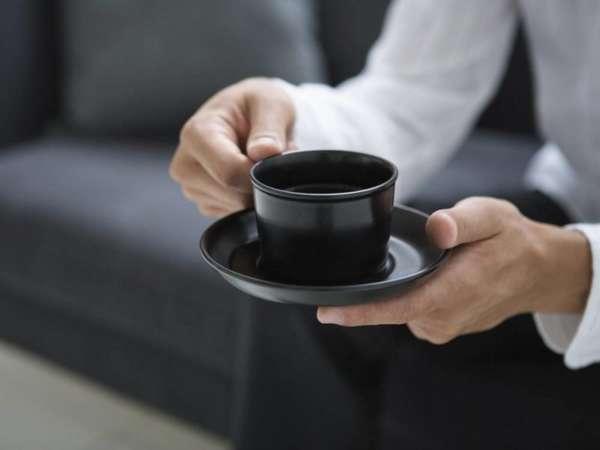 Чашка в руках