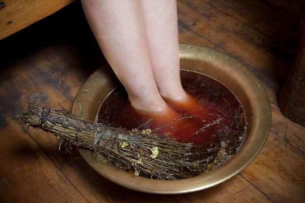Ванночка для ног с травами и содой