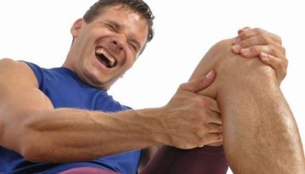 У мужчины судорога ноги