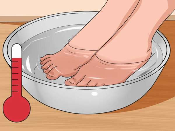 Отпаривание ног в горячей воде