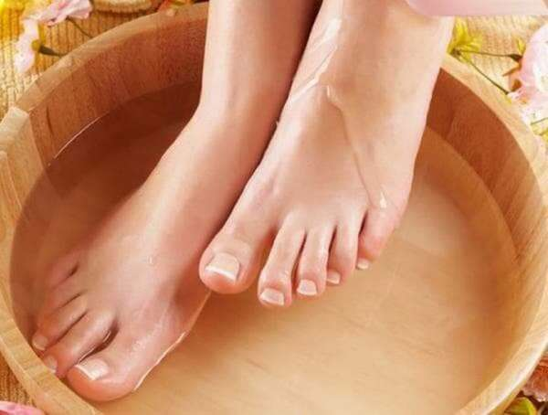 Ванночка для ног с перекисью