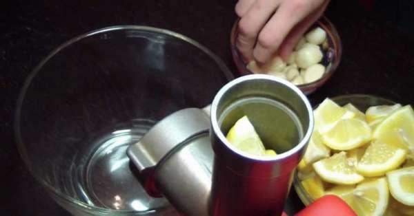 Лимон в мясорубке