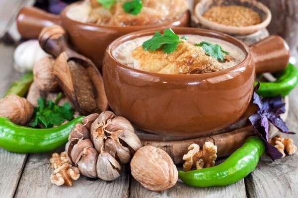 Орехи и мясо
