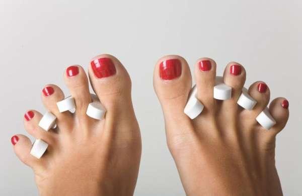 Лак на ногтях ног