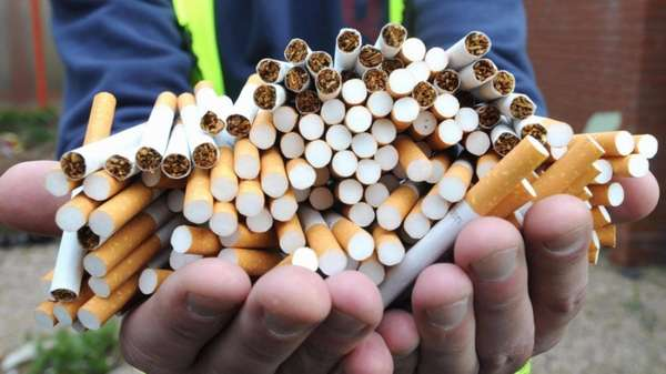 Много сигарет в ладонях