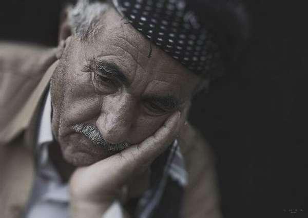 Грустный дедушка