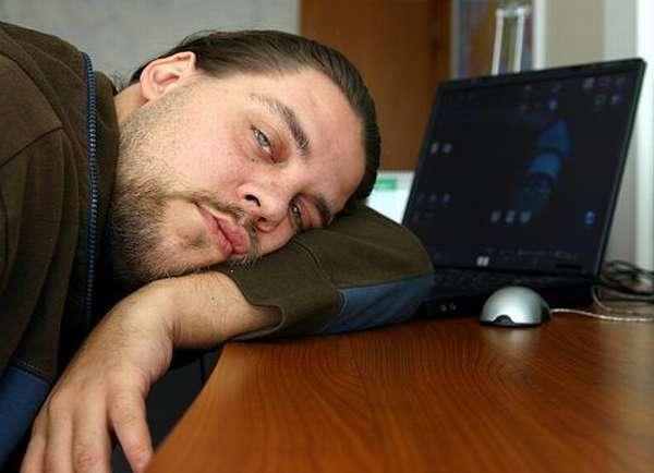 Мужчина устал
