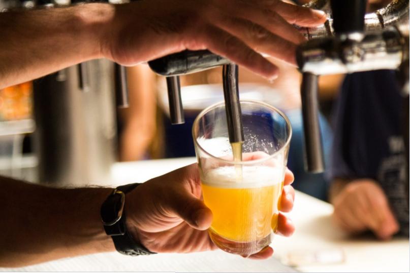Разливное пиво в баре